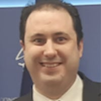 Alberto Romero, doctor Europeo en Economía (Tesis Cum Laude y premio extraordinario de doctorado). Profesor de. Economía Aplicada de la Universidad Rey Juan Carlos