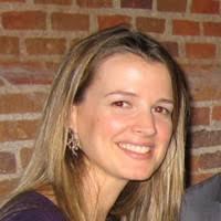 Elena Borau Boira, doctora en Comunicación y experta en Protocolo